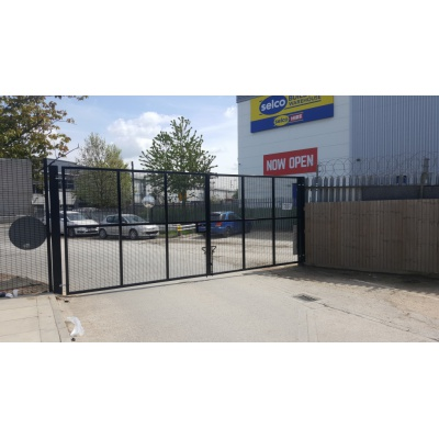 Commercial Manual Gate